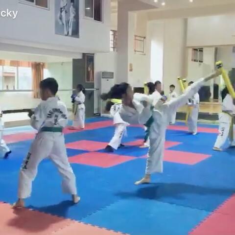悟道馆日常训练~#运动##纪凯童# - 运动视频 -