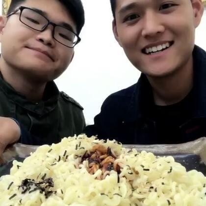 火鸡面!明天咱们吃中国火鸡面!#吃秀##热门#