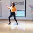 #舞蹈##look what you made me do#才学完一半,超喜欢这个舞的,期待完整版😏@美拍小助手
