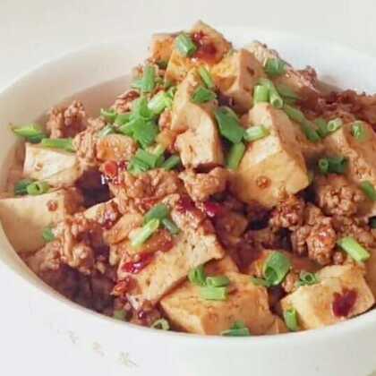 肉沫豆腐#美食##家常菜#非常下饭的一道菜,汤汁拌饭超好吃哈。小伙伴们关注一下我的日常号@🌈努力减肥的胖妞