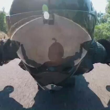 土豪们的玩具Rollerman贴地飞行者电影 用完全不同的视角感受贴地飞行魅力💯 感谢敢玩团队的拍摄非常愉快的合作@美拍小助手 @皓皓smiling #极限运动#