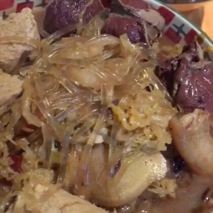 #吃秀##美食# 猪肉酸菜炖粉条