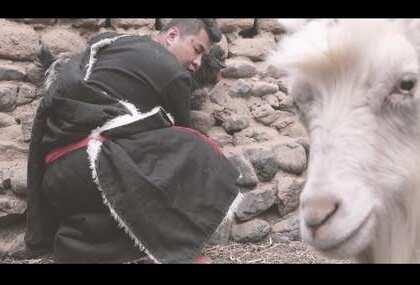 《屠夫与僧人》摄影后期:@Arinas光哥摄影后期 僧人:@Oz(光哥助理兼演员) 村民:@九哥(光哥工作室演员)
