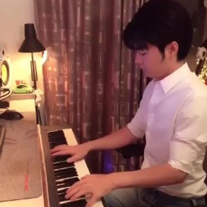 (梦中的婚礼)短视频 夜色钢琴曲 赵海洋演奏视频 微博:夜色钢琴赵海洋