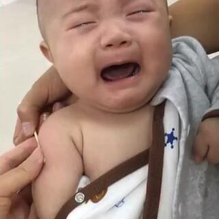 两个月➕12天打预防针哭的好可怜 身高58体重12.7#宸宝##宝宝成长记录#