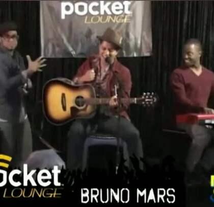 #搞笑#火星哥被小北鼻认成贾斯汀比伯,无奈现场献唱《BABY》,这才是偶像啊!