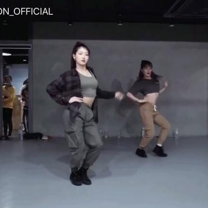 #舞蹈##1milliondancestudio# Youjin Kim编舞Havana 更多精彩视频请关注微信公众号:1MILLIONofficial