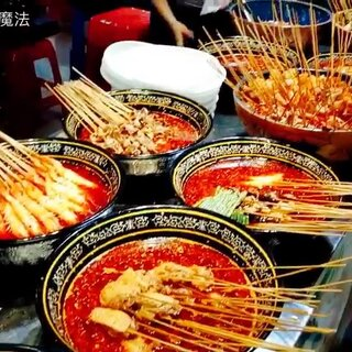 #街边小吃#深圳东门街头小吃 ins美食本人是夜市控,钟爱各种夜市美食,由其是串类😂😂 和我到深圳的街头走一走wow直到所以的小吃都吃遍了也不停留😂#吃货##美食诱惑#