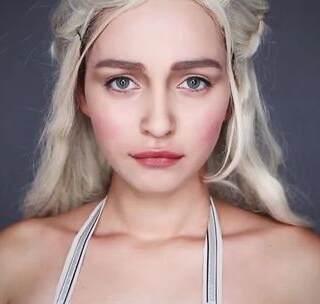 《权力的游戏》第七季已经结尾了,然而吃瓜群众远远没有满足,又要开始等待下一季的冬天了。剧中的龙母作为一大亮点,妆容却始终低调、自然。这个仿妆简直可以说是一模一样了!#我们都是欧美控##美妆##女神#