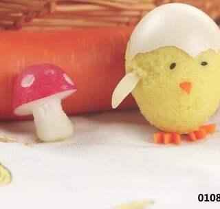 """又可爱又可口的毛绒绒小鸡蛋糕,刚刚""""破壳""""就来到你面前了,可爱到不忍心吃~#美食##食谱##早餐#@美拍小助手"""