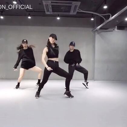 #舞蹈##1milliondancestudio# Jane Kim编舞Samsara 更多精彩视频请关注微信公众号:1MILLIONofficial