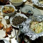 昨天又烤一晚上😂锡纸豆腐、花甲粉、蒜蓉鲜香蟹、烤大牛肉串、鱼丸、大虾、蘑菇、鸡翅等😁齐齐哈尔的姐姐和她老公都是吃到撑回家的,孩子临走前还打包的鸡翅😝#烤串##烧烤撸串##美食#