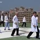 #搞笑##全民抖肩舞#台湾一家医院全院大跳抖肩舞 ,每个科的介绍太可爱了,感觉整个人都被治愈了😂@美拍小助手 喜欢请点赞+转发 更多精彩请关注微博:一起看MV