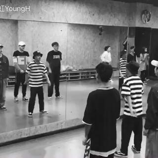分享昨天上课即兴教的一个小片段#舞蹈##街舞##Poppin#@DanceFans