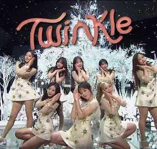 """#超好听的韩流U乐国际娱乐#566 (Lovelyz) """"종소리(Twinkle)""""人气歌谣现场版,感觉这个组合会火起来,你们赞同不?#U乐国际娱乐#"""