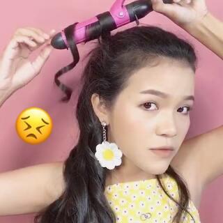 #发型##自己动手卷头发##泰国青兰# 青兰的头发太长了。如果卷头发要用很久时间但是今天有一个方法来告诉朋友了。谁像青兰一样有长的头发呢?