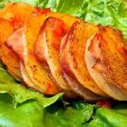 """#美味感恩节#只要你有一口锅就能做出来烤箱版的""""风琴土豆"""",土豆尽可能的切薄一些,盐不要放太多,培根和蒜蓉辣椒酱都是有咸味的,好啦……请你们疯狂为我打call!😉😉❤❤❤#云朵的食光记##美食#"""