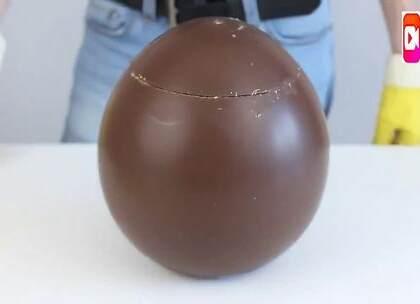 国外牛人教你自制巧克力蛋,个头真大,好想咬一口!