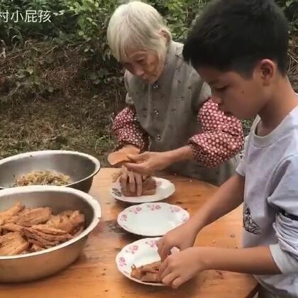 农村小屁孩和奶奶秘制6斤梅菜扣肉太好吃了😋#美食#