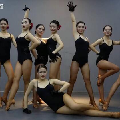 三组#拉丁舞#展示,完全看不够呀,朱蕾老师原创拉丁组合,你们喜欢吗~#十万支创意舞#,咨询各种#舞蹈#,可以➕微信danse112了解哦~