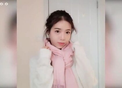 漂亮小姐姐教你十种冬日围巾实用好看的系法,搭配各种保暖又好看的羽绒服大衣毛衣…转自:Rika0_0#手工##生活小技能##搭配#