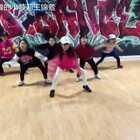 昨天舞蹈课刚学完一支舞,老师给她们拍了个视频,省了我的事了😁音乐名是Wind Up.#舞蹈##宝宝#