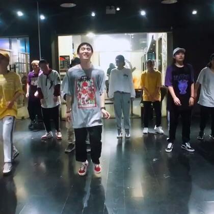 最爱叮叮老师✌😋🎒🎉👏💃😇👻@叮_Tin_psc @PureSoul舞蹈工作室