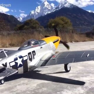 #航拍##航模#P51野马「西藏航空模型宣传片」雪山下的鹰🇨🇳多角度拍摄[纪念西藏第一个航空模型跑道的竣工首飞活动]🛫喜欢飞机的请支持点赞+转发😎😀@🇨🇳混在第三极 @.妈妈的好儿子. @圣地神风✈️欧文 @圣地神风✈️.小边🌞 @十二程扎顿🎬
