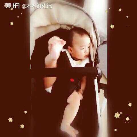 【木木孵化记美拍】#宝宝##木木孵化记#抠脚大汉又回...
