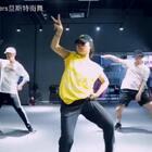 鉴于我们是生活在大山里的子孙,外出学习是卖血又卖地的,不用担心!之后你保存好血与地。我们旦斯特陆续会把国内外的老师都请到云南昆明!12月份我们邀请了RMB青青老师,敬请期待🙈#昆明街舞##北京rmb舞团##舞蹈大师课#