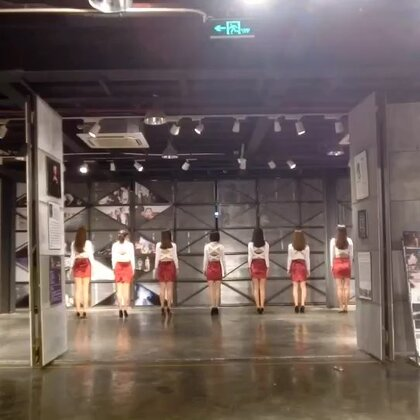 复古的#nobody##韩国舞蹈##敏雅U乐国际娱乐# 热爱舞蹈的美妈们 给优秀的你们点赞 🌹🤘🏻跳舞的女人最美 😍😍😍
