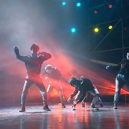 2017AUDC评委秀作品《迁徙》 ,多么辛苦的坚持和旅程,一个都不能少的一直这样飞着~🕊#舞蹈##热门##hellodance#@HelloDance舞蹈工作室 @美拍小助手