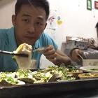 亲们晚上好。今晚吃生蚝,美味不用多说。特别推荐这个养肝金草汤https://weidian.com/i/2205795175?ifr=itemdetail&wfr=c 对养肝很好的,特别是熬夜,日夜颠倒的人群,阴虚上火人士,还有小孩厌食没胃口,也很有食疗效果,不妨试试看哦。#美食#
