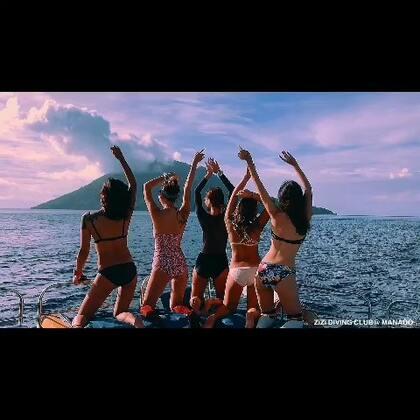 11月在印尼的MANADO岛 13个美少女们在火山下的潜水party#运动##潜水##女神#