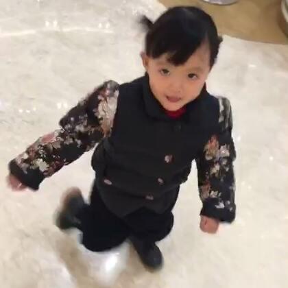 #宝宝#一到商场就疯了的小孩😄