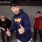 #舞蹈##1milliondancestudio# Jinwoo Yoon编舞Congratulations 更多精彩视频请关注微信公众号:1MILLIONofficial