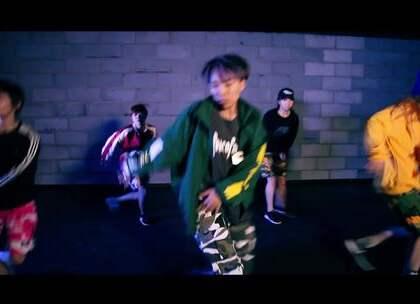 #舞蹈#【欲非】百人一线强化班小宇导师最新MV#Big Sean - I Don't F__k With You#这支舞够味!野性十足!小宇老师跳起舞来的帅气,简直要从屏幕中满溢出来啦😍😍😍想做一个又酷又帅的女孩子,那是时候跟着小宇老师跳起来啦@美拍小助手