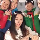 #徐浩66舞#课间录了个小视频😶结果这帮小崽子们都凑过来看😂 简直镜头感十足😘😘可爱的哟❤ #十万支创意舞##精选#微信nana08200