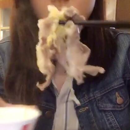 冬天就要吃火锅 鼎王火锅 对于我这种不吃辣的人来说 吃哪家火锅都一样 只有有点虾 油条 肥牛 肥羊就能满足我了#火锅##我要上热门#一起去吃火锅吧