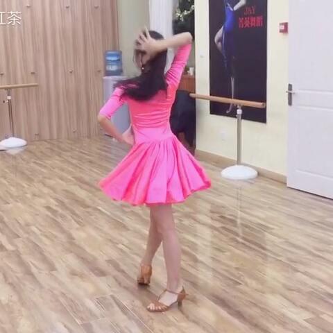【柠檬C红茶美拍】喜欢思琦的赞起来吧!👍👍#舞蹈#...