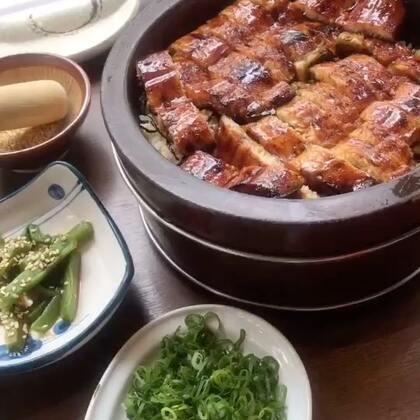 鳗鱼饭炒鸡好吃 推荐! 不过我刚睡醒吃中饭有点懵逼状态#台湾美食##我要上热门##吃秀#