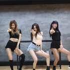 #宣美 - Gashina# 这个版本更清楚,宣美热度不减啊,看样子这个舞要火很久哦💘💘#舞蹈##敏雅韩舞专攻班# 公众号:MinyaCola