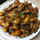"""#美食#鸡翅焖栗子 栗子又称""""干果之王"""",它营养丰富,秋冬时节吃最好。栗子焖鸡翅,鸡翅焖栗子傻傻分不清😂😂😂"""