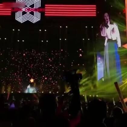 这演唱会看的贼糟心了。。。😂#搞笑#