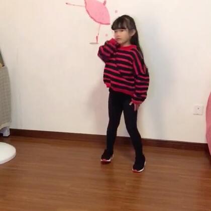 #舞蹈##宝宝#感觉怎么拍都不清楚,这个上传后会不会清楚点#十万支创意舞#boom