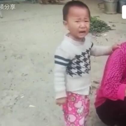 奶奶杀鸡小孙子哭得撕心裂肺😭奶奶放下了屠刀👍 人之初,性本善👍#正能量##精美电影##宝宝#