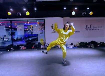#舞蹈#【欲非爵士舞】南曌Monster导师课堂实录#Que - Og Bobby Johnson #炫酷吊炸天的南瞾老师每一个表情和动作都是大爱!!😘😘😘