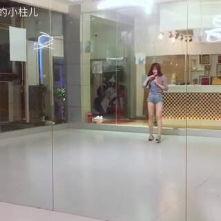 武汉ZT国际舞蹈学院#最美校长##舞蹈# 练习随拍🙈秋香姐真的好美好性感