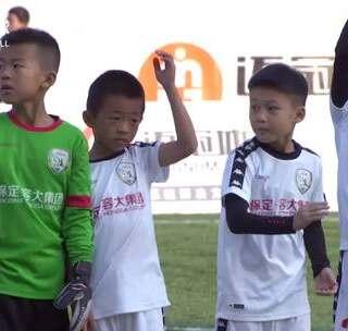 #中国足球小将#8岁却被认定为国家队未来主力?这样的场上表现确实让人震惊!#董路##邝兆镭#