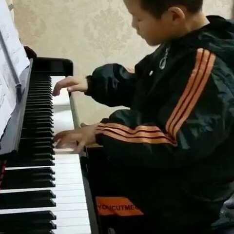 钢琴曲目《童年》